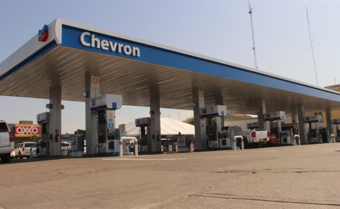 La primera estación de combustible de la marca Chevron. FOTO: Martín Ruiz.