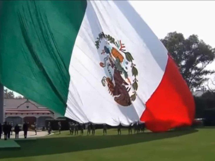 Izan Al Revés La Bandera Al Conmemorar Su Día