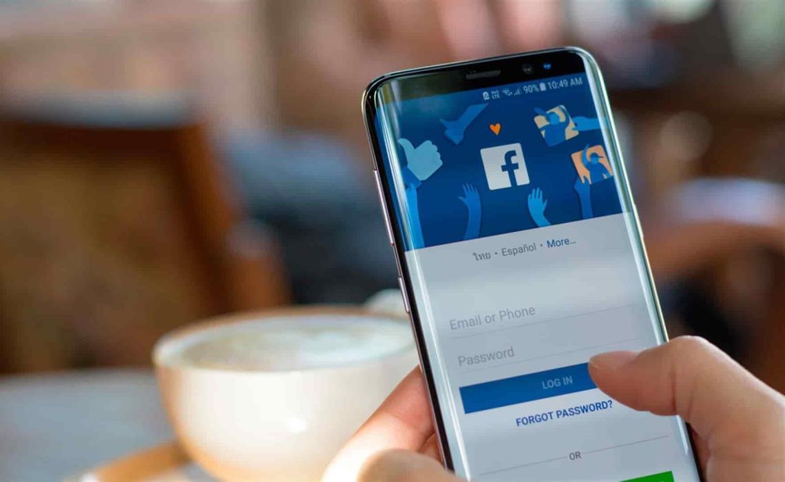 Antes de 2100 morirán al menos mil 400 millones de usuarios que utilizan Facebook. FOTO: Cortesía.