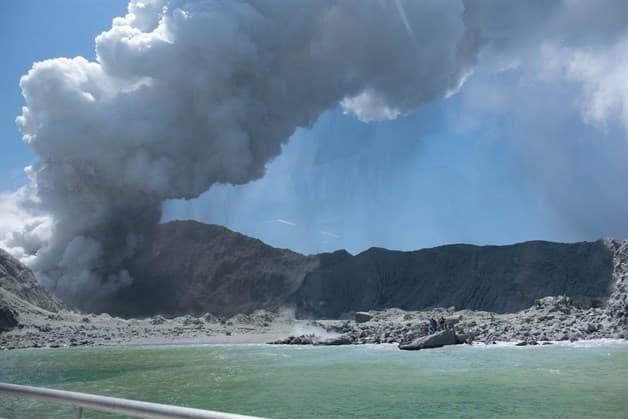 Mueren Cinco Turistas Tras Erupción De Volcán Whakaari En