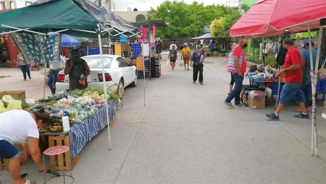 Oferentes del tianguis de la Flores Magón en Mazatlán piden trabajar tres días a la semana