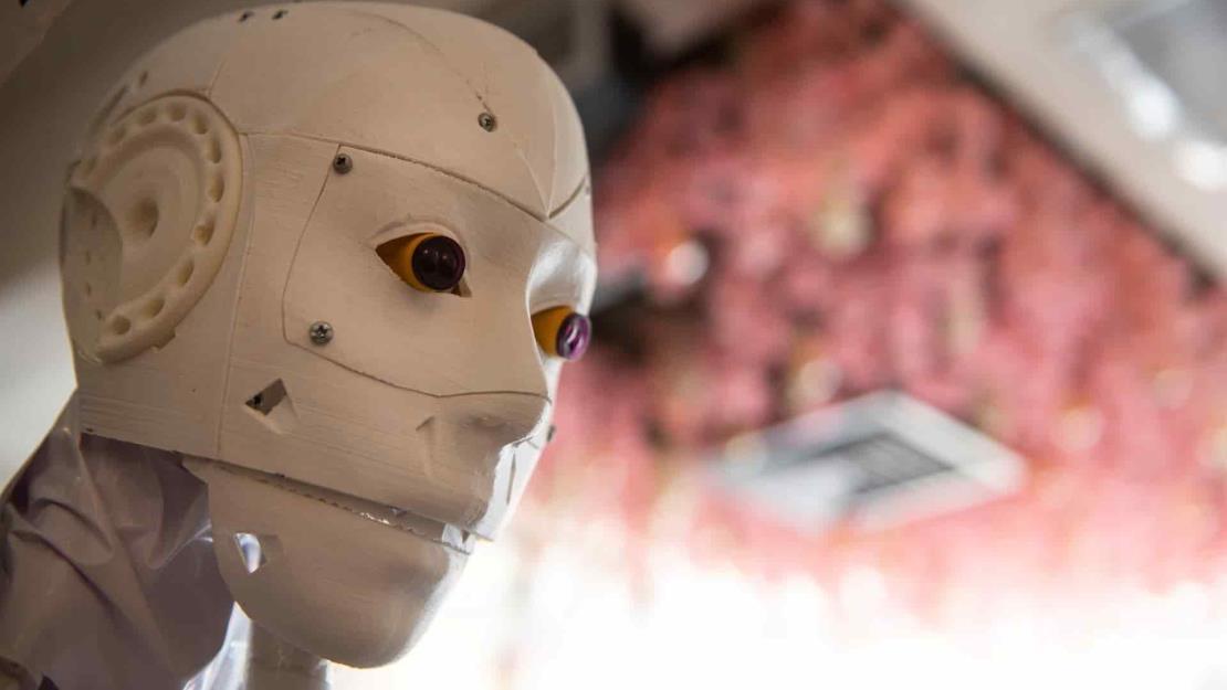 Cira V 02, la robot contra el Covid-19