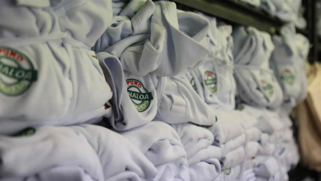 Este año no se entregaron 160 mil uniformes gratuitos