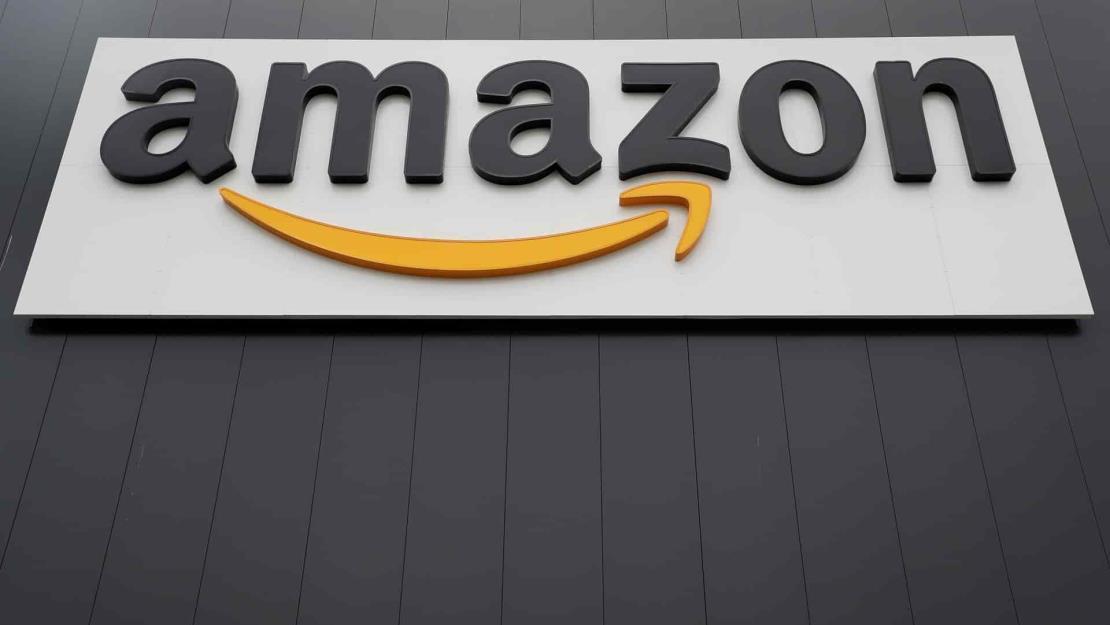 Amazon recibe permiso en EU para empezar a entregar paquetes con drones