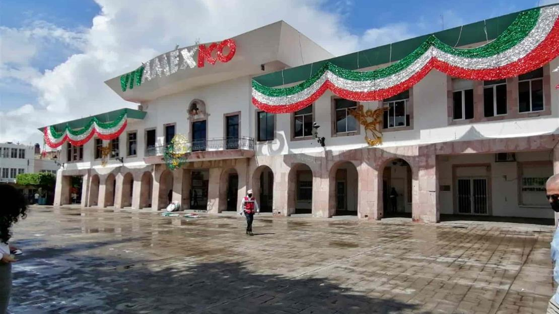 Sancionan a 3 bares de Mazatlán por superar capacidad autorizada el 15 de septiembre