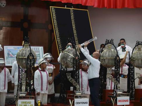 Rifa del avión presidencial mexicano concluye con el simbolismo como ganador
