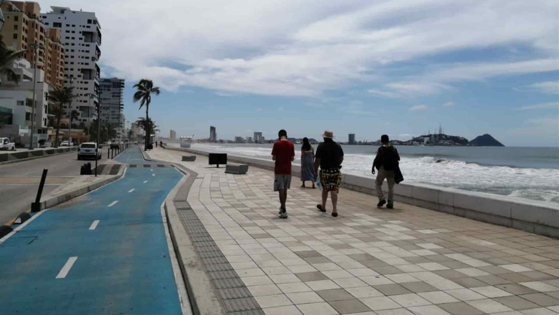 Festejo patrio no se compara a los fines de semana: vendedores en playas