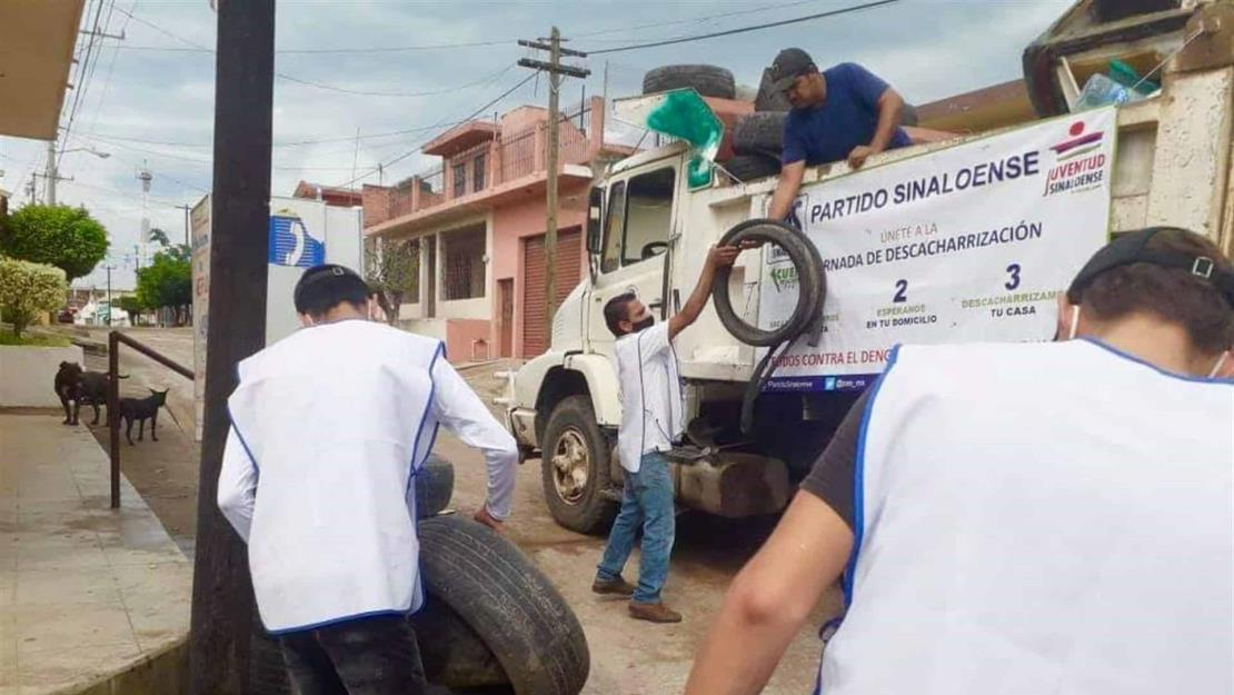 Lleva PAS descacharrización contra el dengue a El Roble, Mazatlán