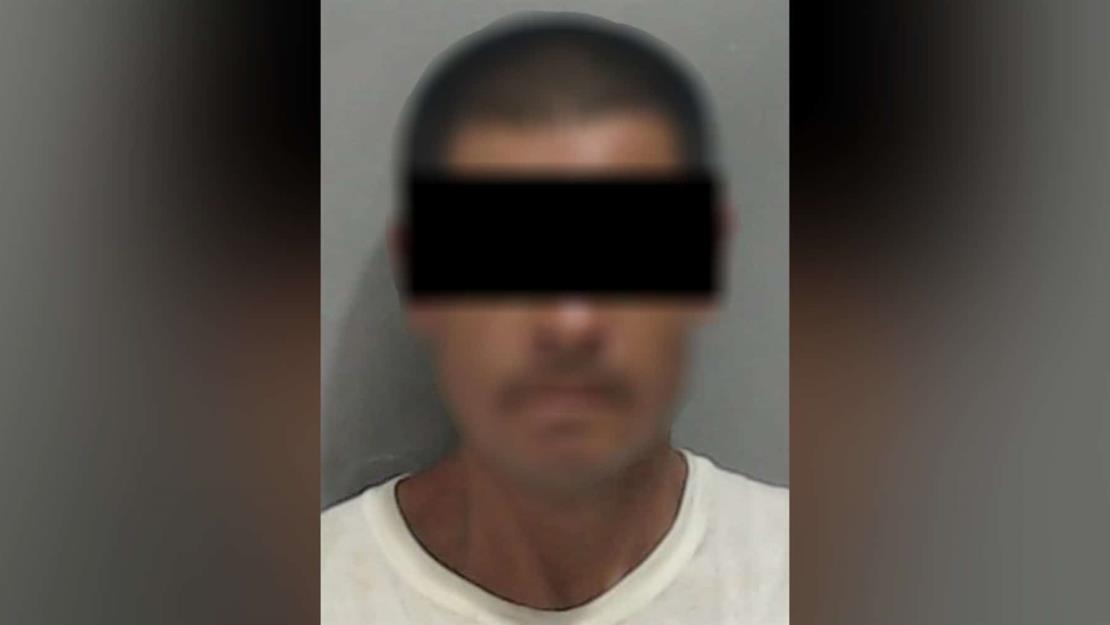 Detienen a hombre que intentó robar árbol luminoso en Culiacán