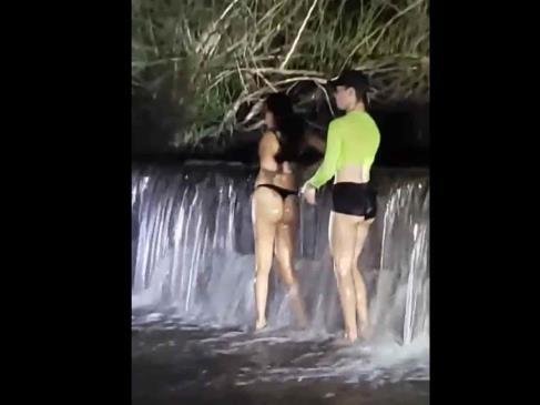 Arman fiesta acuática con todo y desnudos en La Bocatoma