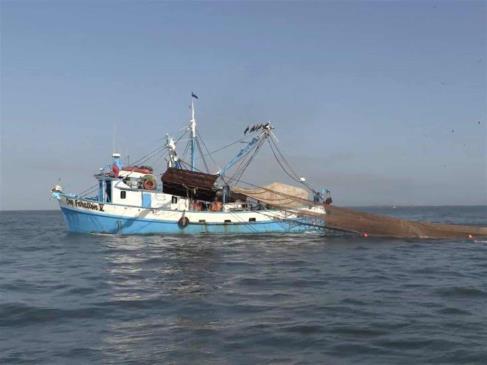 Pescador de Topolobampo fallece en un barco en altamar