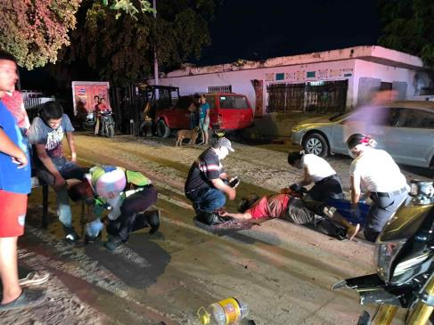 Dos lesionados deja accidente en la 28 de Junio de Los Mochis
