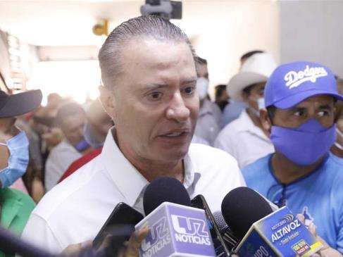 """""""Es bronca de ellos"""", responde gobernador ante cierre de estadios a aficionados en Sonora"""