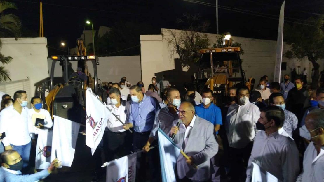 Dan banderazo de inicio a la remodelación de la avenida Gabriel Leyva