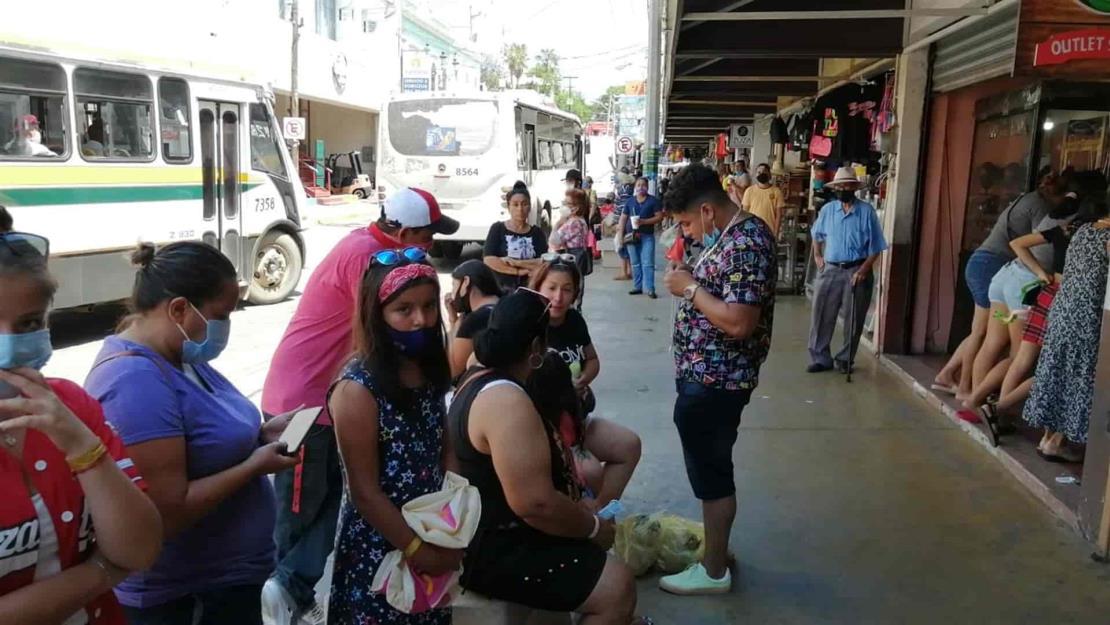 Ingresan sin cubrebocas a restaurantes y bares de Mazatlán