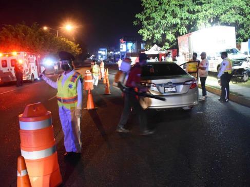 Caen 24 conductores en alcoholímetro de Mazatlán