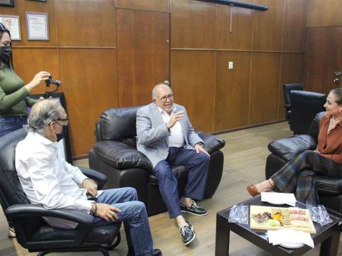 Se reúnen Secretaria de Pesca y alcalde de Mazatlán