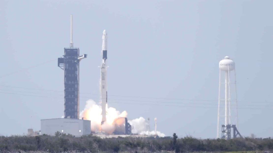 SpaceX envía con éxito un satélite desde Florida en su última misión de 2020