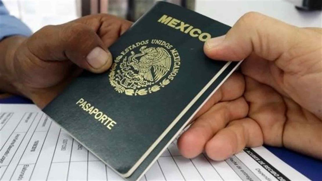 Restricciones de EUA no inhiben a mazatlecos para tramitar sus pasaportes