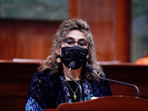 """Diputada del PAS propone prisión a funcionarios que """"brinquen la fila"""" para vacuna de Covid"""