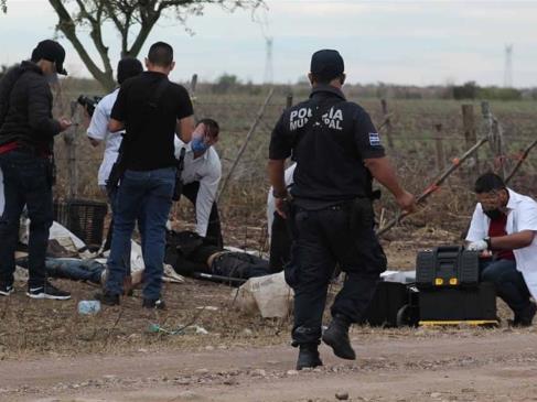 Identifican a asesinados en camino de terracería de Guamúchil