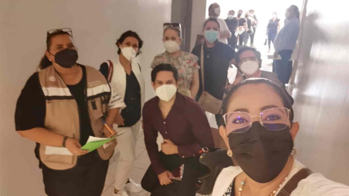 Vacunan a los primeros 165 profesionistas de la salud del sector privado