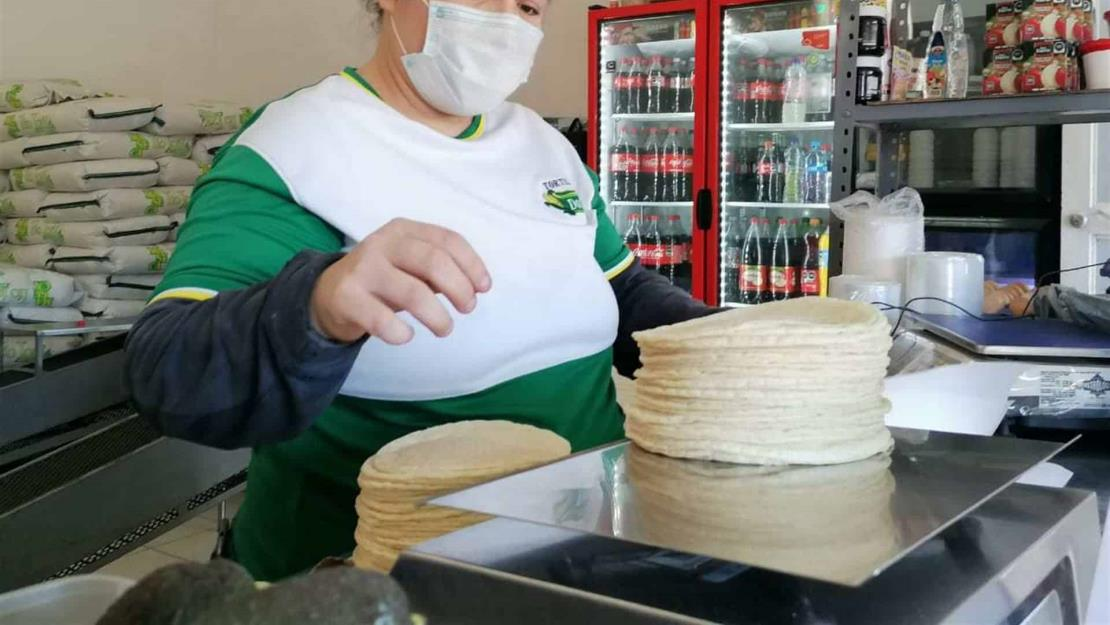 Por aumento en el precio del gas y la harina subió la tortilla: Rafael Uriarte
