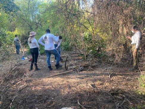 Jóvenes Buscadores de Ahome encuentran dos cuerpos en Los Mochis