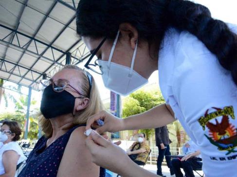 Este domingo reinicia vacunación para adultos de 60 a 69 años en Los Mochis