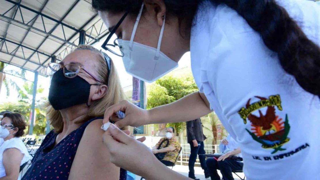 Aclara SSa que en Facultad de Medicina de la UAS no se vacuna sin cita