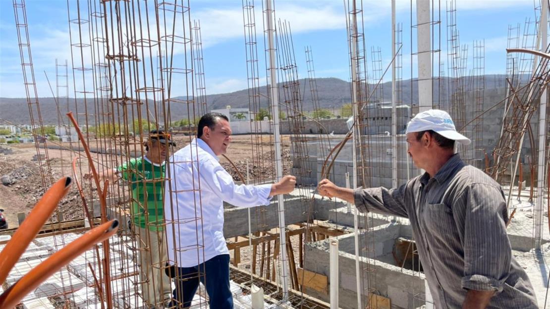 Sergio Torres se reúne con trabajadores de la construcción