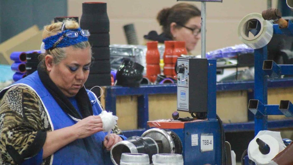 Producción industrial cae un 4,5 % en febrero en México