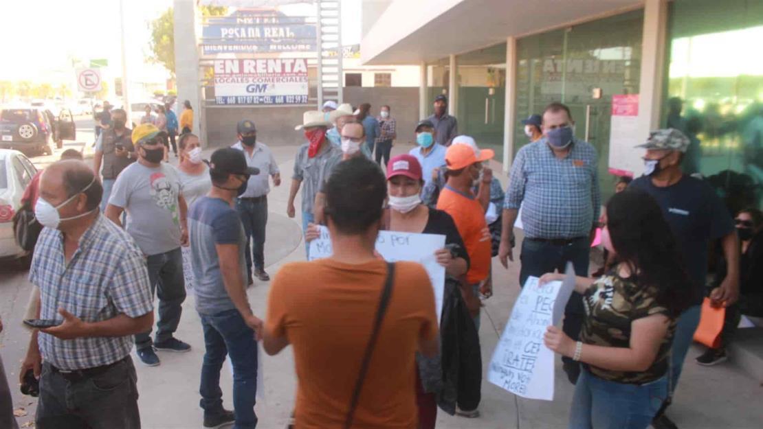 Protesta grupo de morenistas en Los Mochis por imposición de candidatos