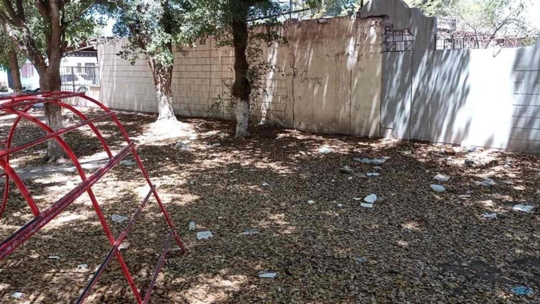 Se quejan que área verde se convirtió en tiradero de escombro y basura