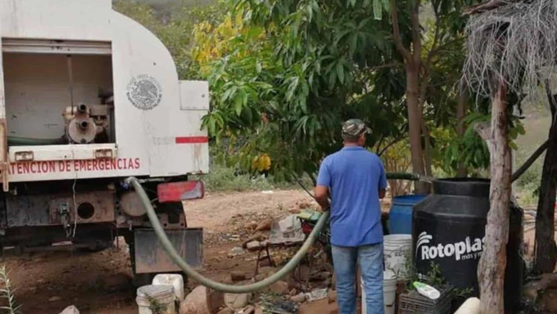 Calor incrementa un 25 % el consumo de agua en El Fuerte
