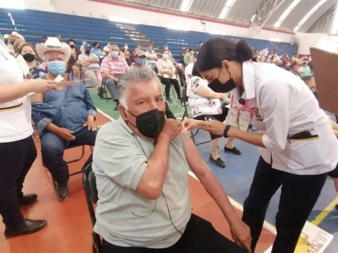 Inicia vacunación de adultos mayores de 60 años en Los Mochis