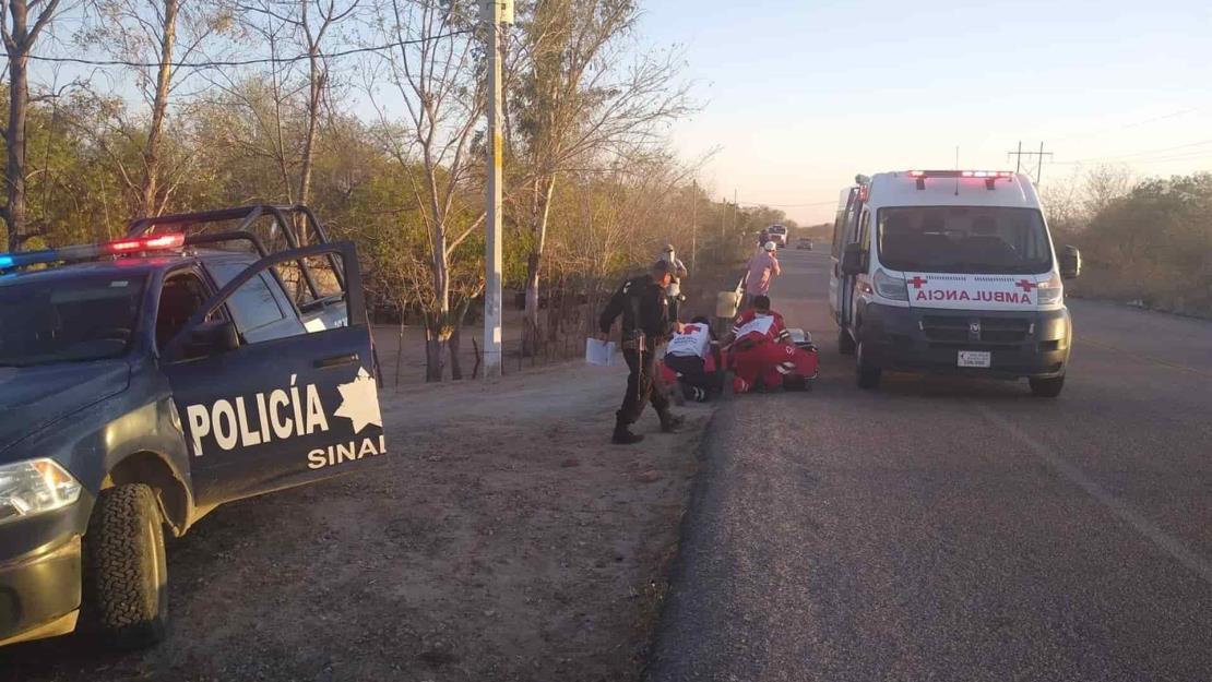 Sujeto armado asalta farmacia en Choix, luego secuestra a una mujer para huir
