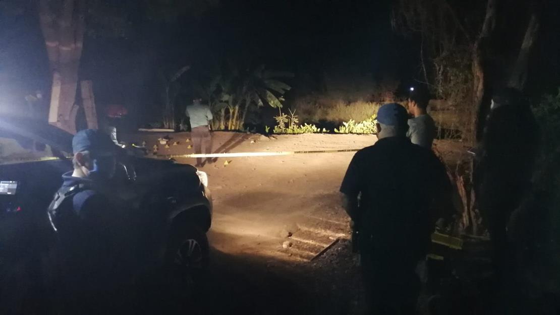 Asesinan a vecino de la colonia Bachigualato cuando convivía con amigos