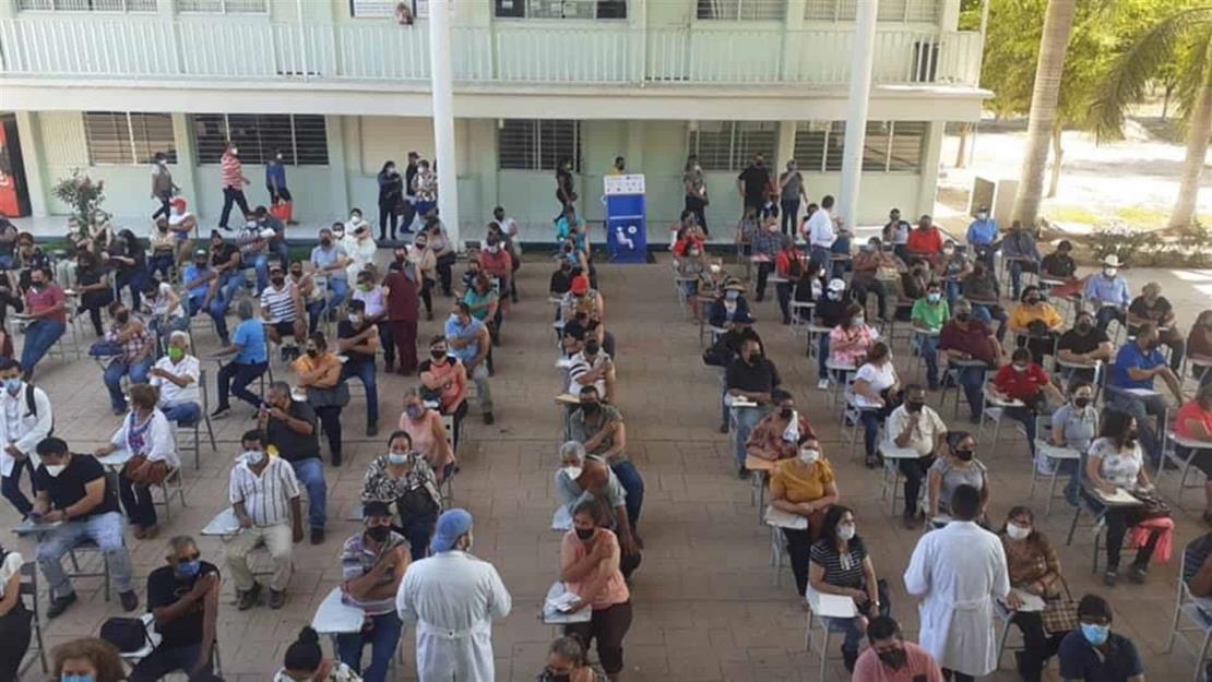 Más de 8 mil personas de 50 años en adelante ya fueron vacunadas en Navolato