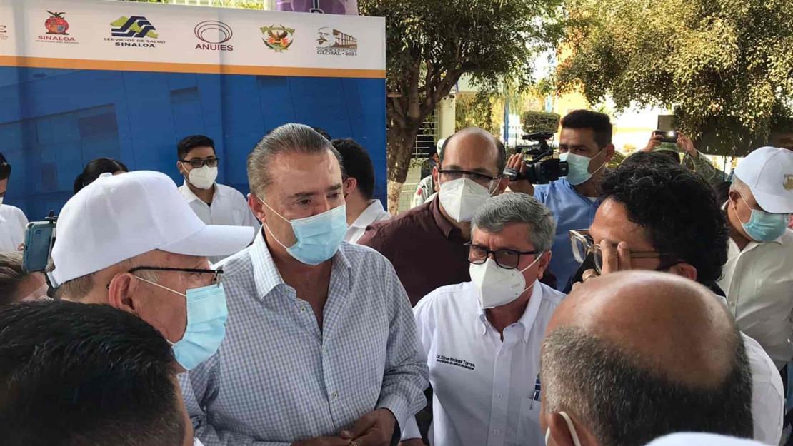 Supervisan Quirino y Rector arranque de vacunación en la UAS