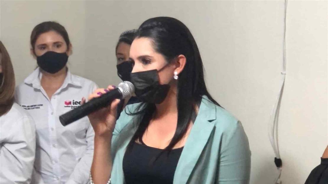 Recibe Elizabeth Chía constancia como Diputada Local Electa por el Distrito 04