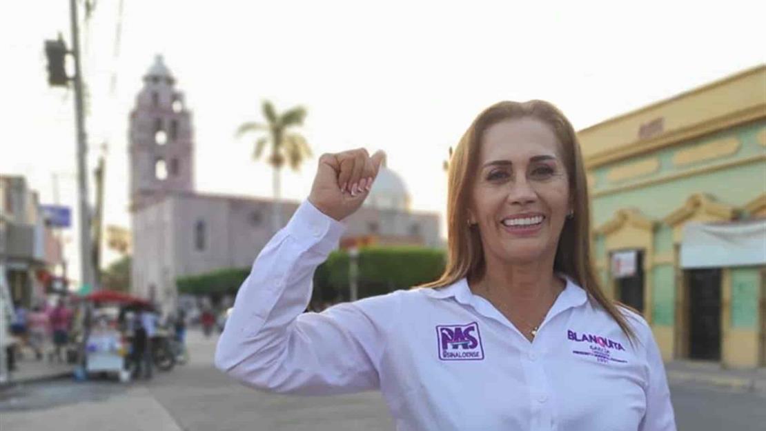Blanca García recibe constancia como Presidenta Municipal de Escuinapa