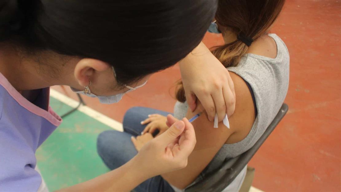 Este fin de semana vacunan a los de 40 años en Salvador Alvarado