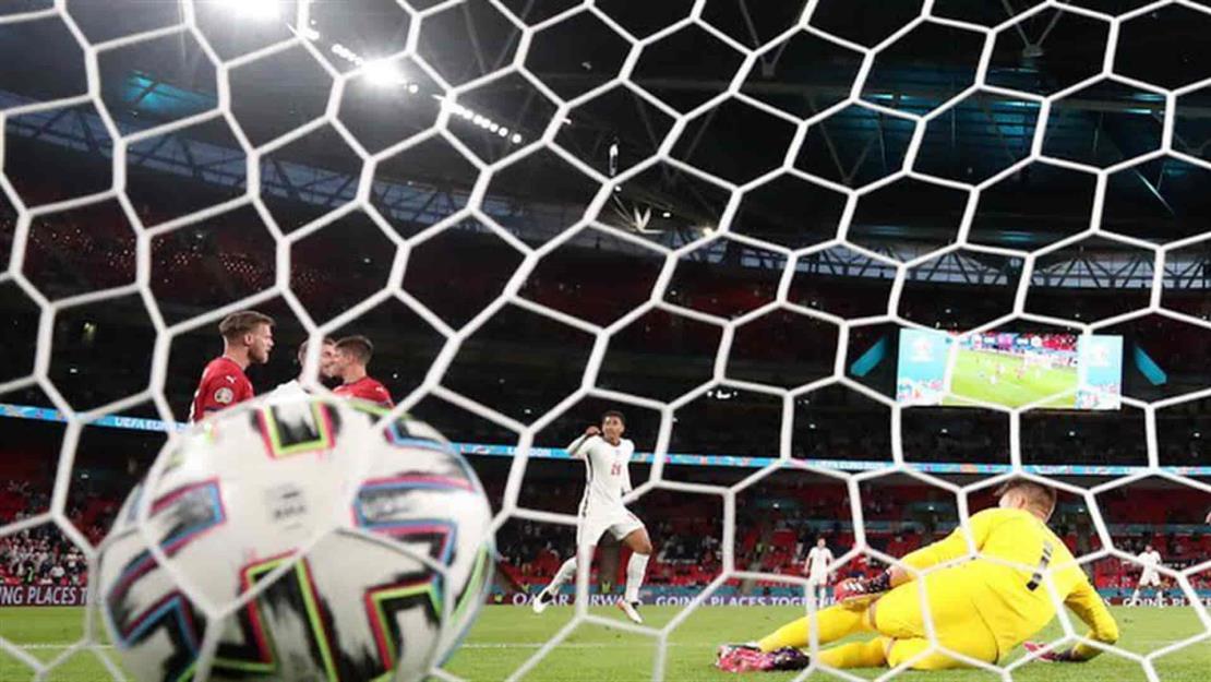 Inglaterra vence a República Checa y obtiene su pase a los octavos de final