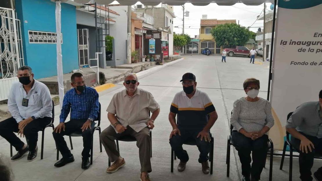 Inaugura Ayuntamiento de Mazatlán dos obras de pavimentación