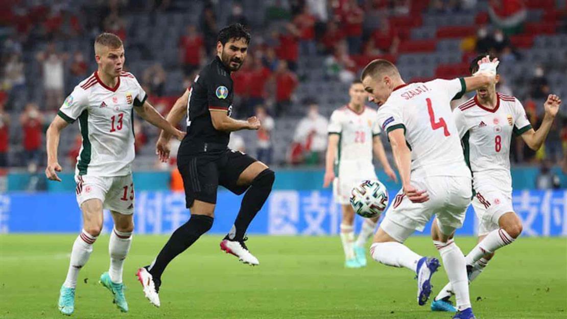 Alemania rescata el empate y avanza a los octavos de final