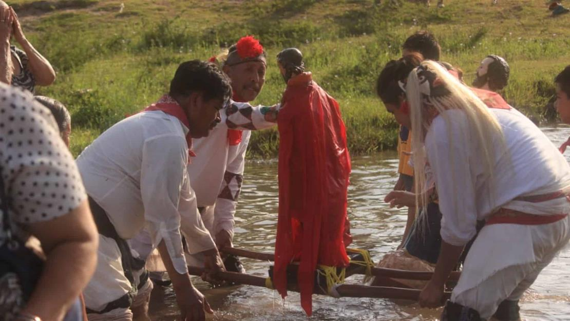 Indígenas yoremes de San Miguel Zapotitlán piden a San Juan por la lluvia