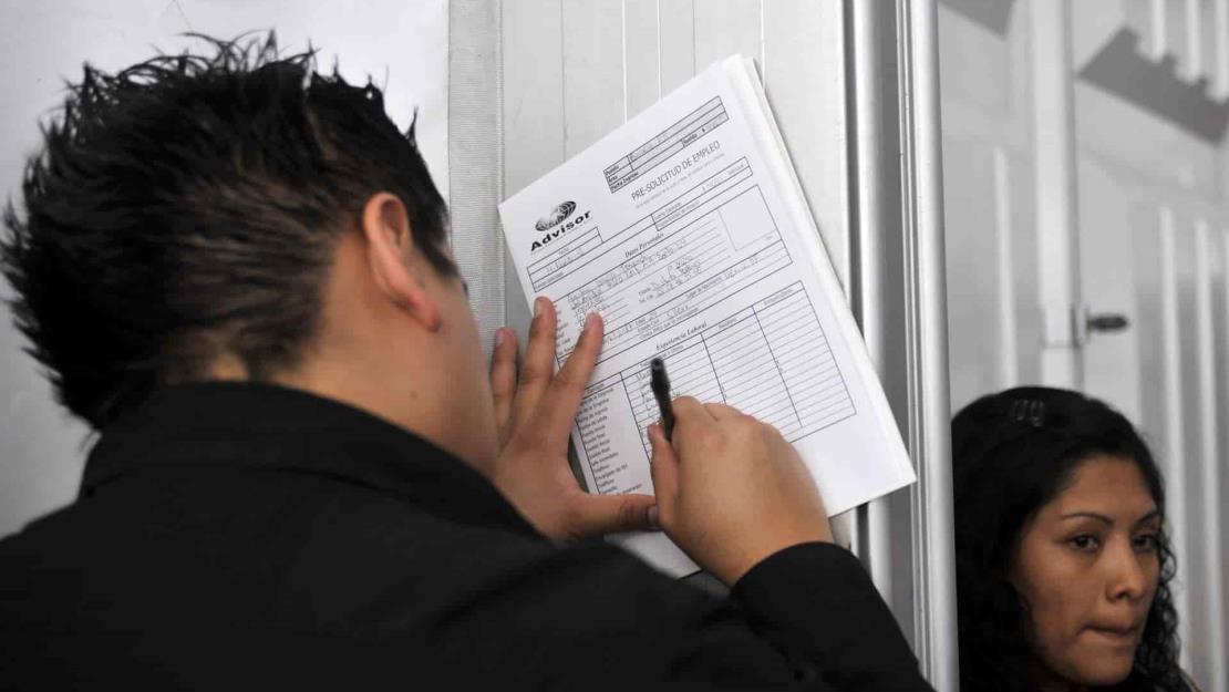 El desempleo en México baja a 4 % en mayo