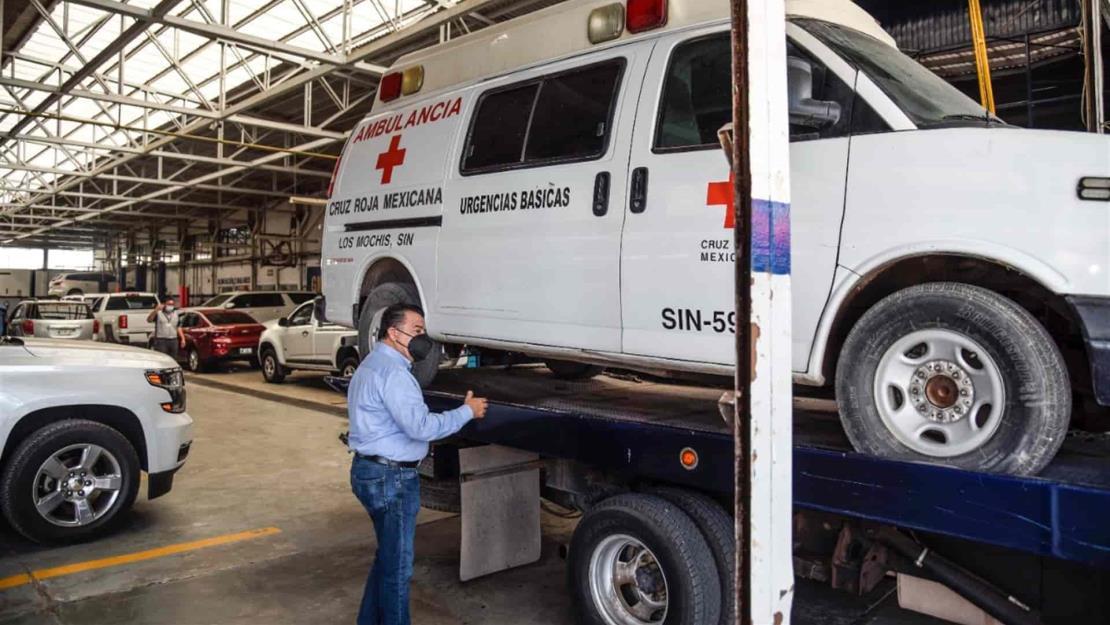 Inicia Ayuntamiento la reparación de ambulancia de Cruz Roja de Villa de Ahome