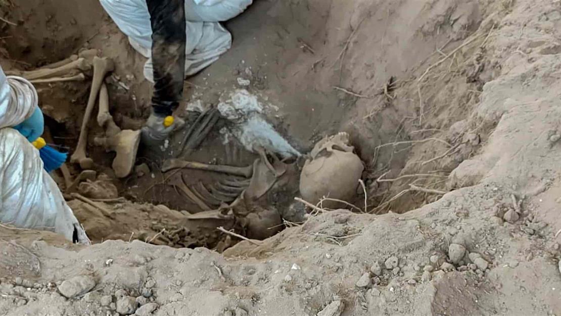 Localizan una pareja en una fosa clandestina de El Guachapori